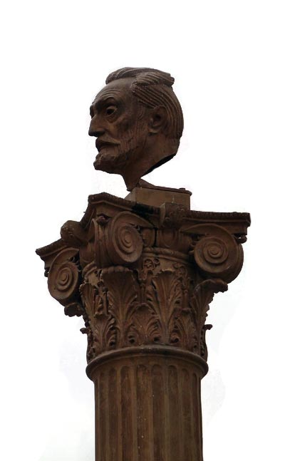 Escultura-Unamuno-en-Bilbao