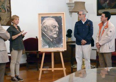 Ante el Retrato realizado por Florencio Maillo