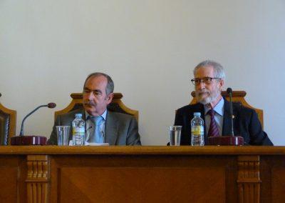 Vicente González, decano de Facultad de Filología y Francisco Blanco en la conferencia
